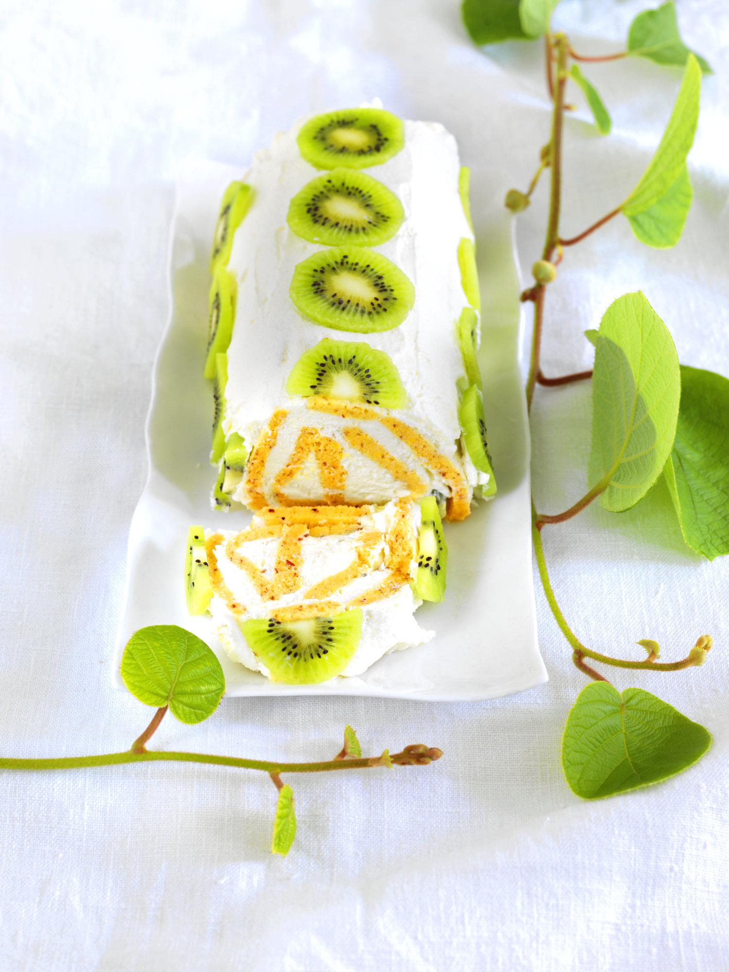 Creme-Roulade mit Kiwi